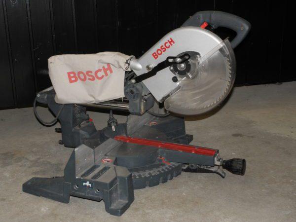 Ger och Kapsåg Bosch 260 GCM 10 S